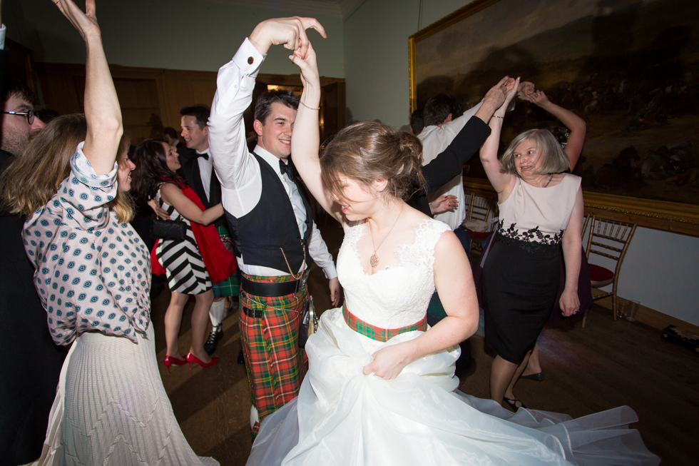 Rowallan Castle Wedding Photographer - Lesley and Andy